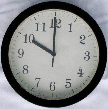 Clock face showing 10 oclock