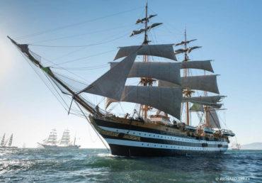 Parade of Sails! Tall Ship Tour